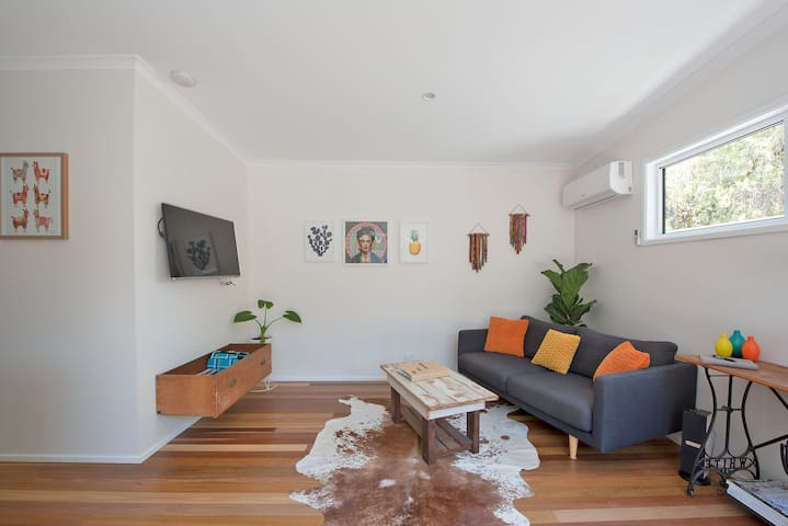 The Cosy Junkyard  - 5 mins walk to beach & shops - Lennox Head - Cabin