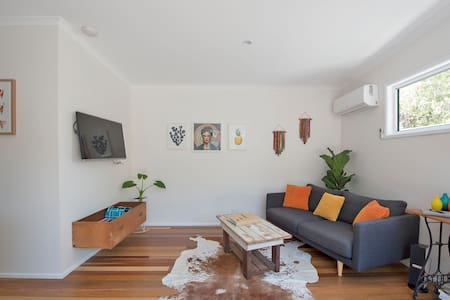 The Cosy Junkyard  - 5 mins walk to beach & shops - Lennox Head - Kabin