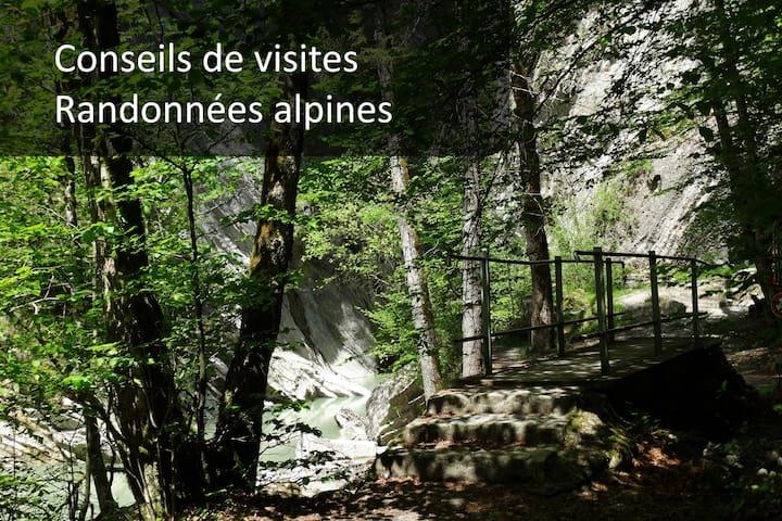 La Gruyère est le paradis des randonneurs. Des 3 lacs proches, aux dizaines de sommets des Préalpes fribourgeoises, il y a des randonnées pour tous les gouts et tous les niveaux. Nous mettons à disposition une carte et vous conseillons volontiers.