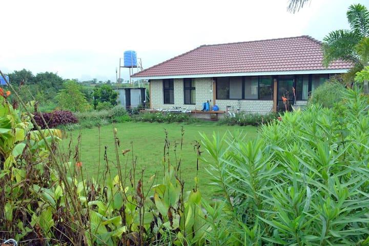 Lake Beze Farm House with dam view