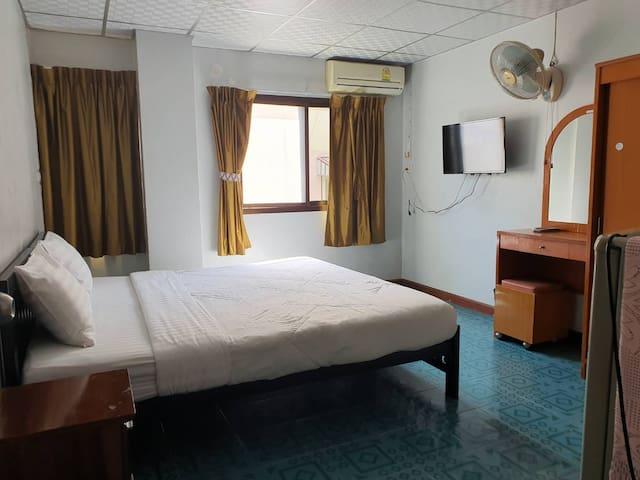 BaanChang Guest House: Double bed1