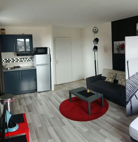 Beau Studio proche gare pking priv - Creil - Apartamento