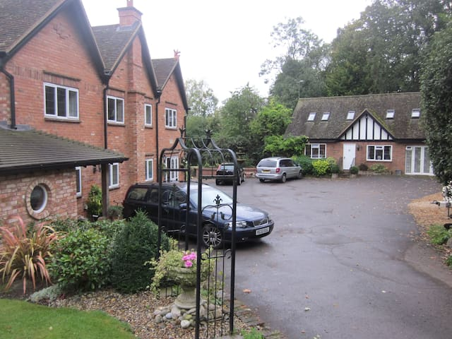 Somewhere To Stay Twyford Reading Berkshire - Wokingham - House