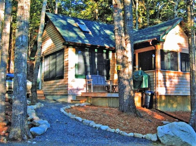Winding Brook Cottage - Sweet Cabin in the Woods