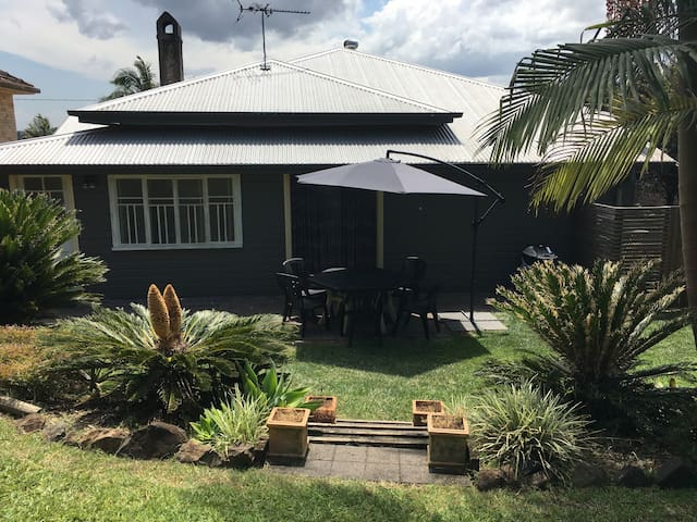 Sought after location 3BD house - East Lismore - Rumah