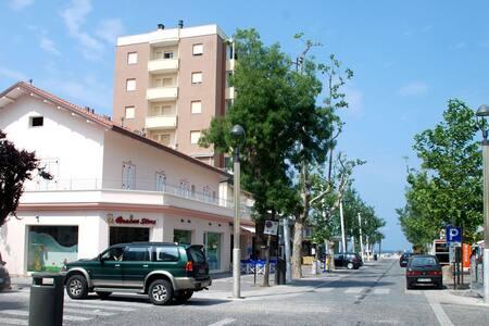 BILOCALE arredato a Misano Adriatico