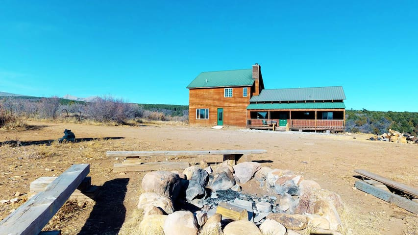 Wolf Springs Ranch Retreat