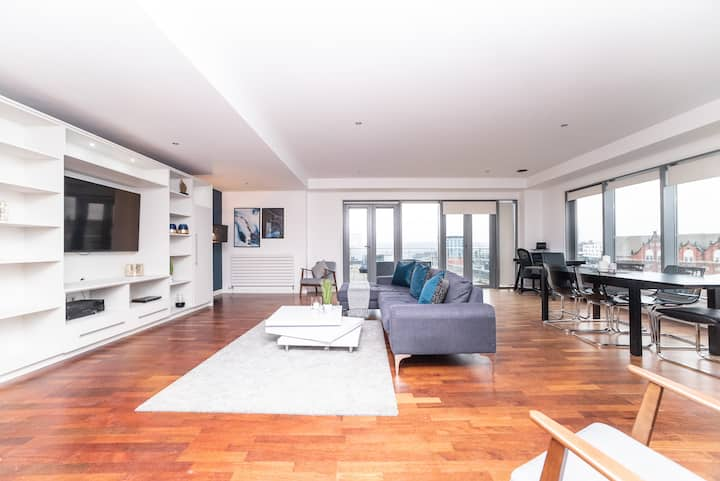 3 Bed Penthouse w/terrace, Sleeps 8, 2 x ParkingSp