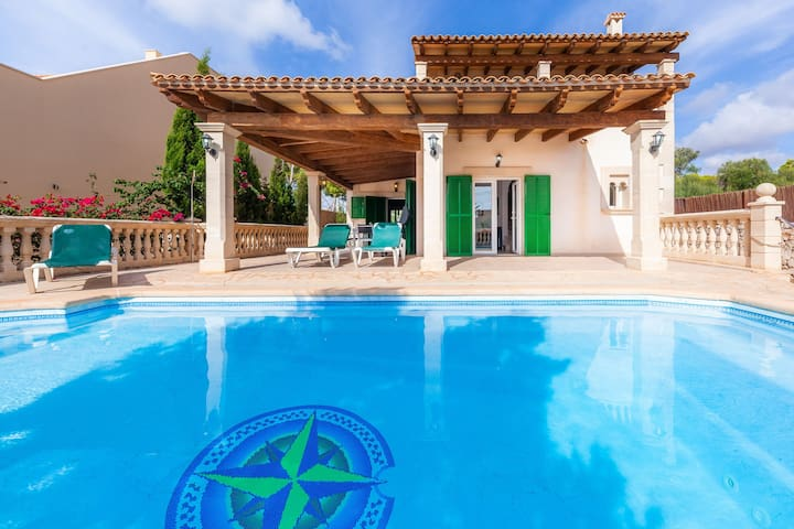Villa with pool and sea view – Villa Can Mateu