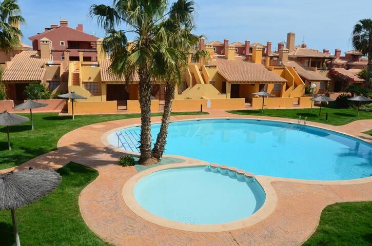 Apartment on 1st floor, wifi, pool views