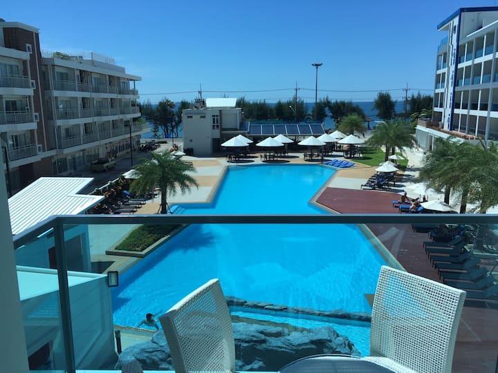 Grand Blue Fantastic Pool&Sea View 1BR apartment