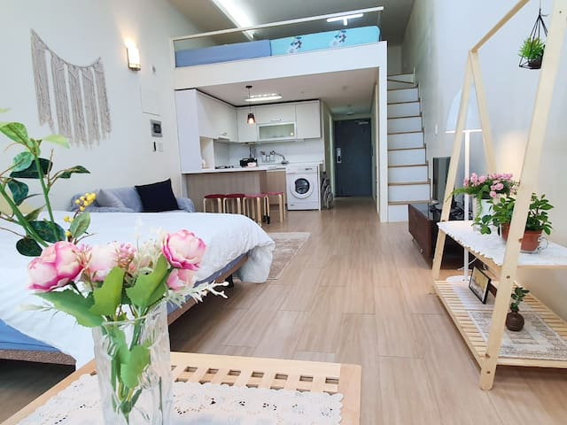 (NEW) Wakefield Apartment  (#2, 66m2 size)