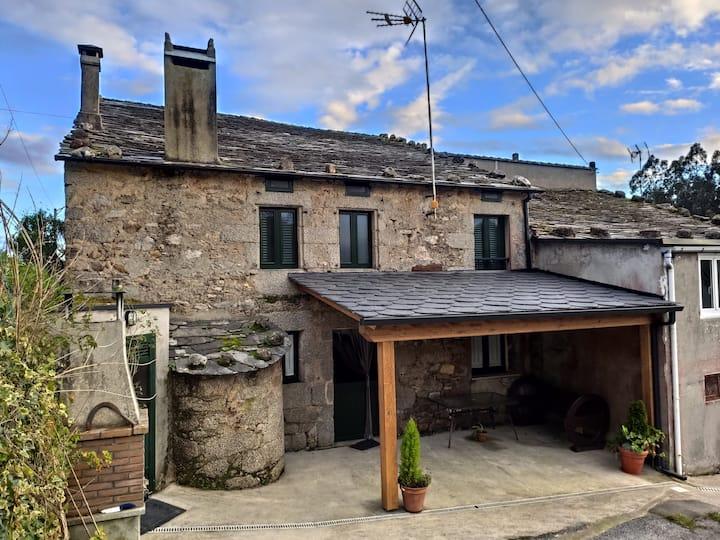"""Casa Rural """"A Sara"""" de Budian. O Valadouro. Lugo"""