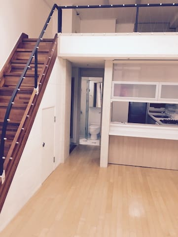 Perfect location / Cozy loft - 종로구 - Vindsvåning
