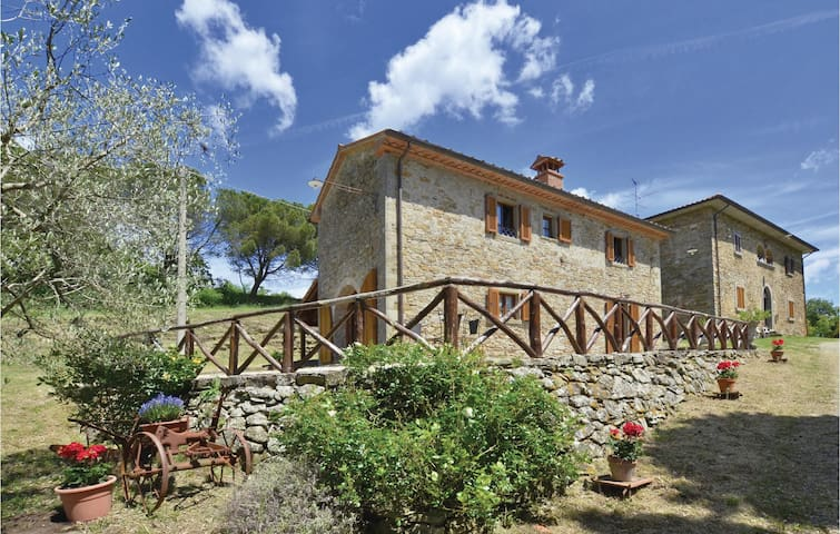 Holiday cottage with 2 bedrooms on 115m² in Anghiari (AR)