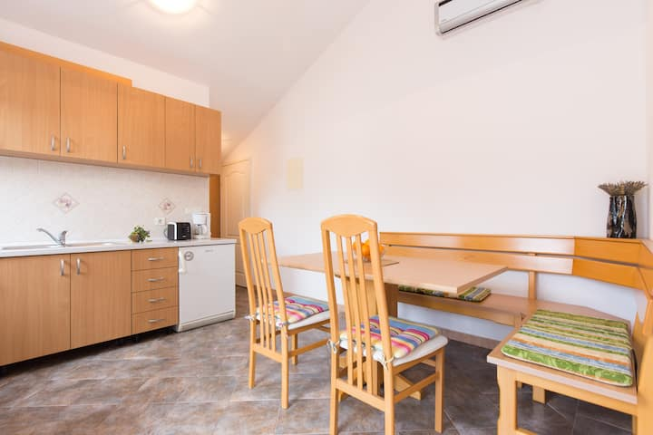 Apartment Dino
