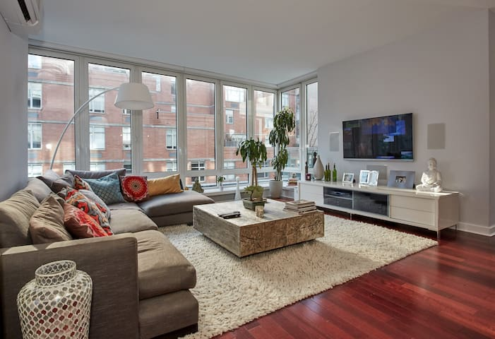 Modern Luxury Chelsea Apt w/ Large Sunny Patios