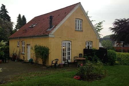 Cosy house in historical Jelling - Jelling