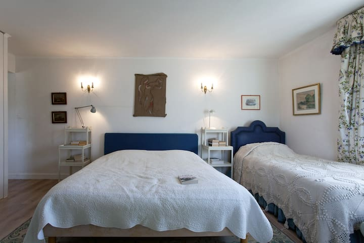 La Rabassière: 5 B&B rooms in Provence - Saint-Chamas - Bed & Breakfast
