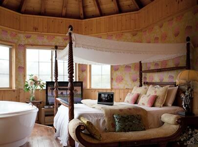 데네브룸, 월풀 스파가 있는 소나무향 가득한 별장 - Dunnae-myeon, Hoengseon - 牧人小屋