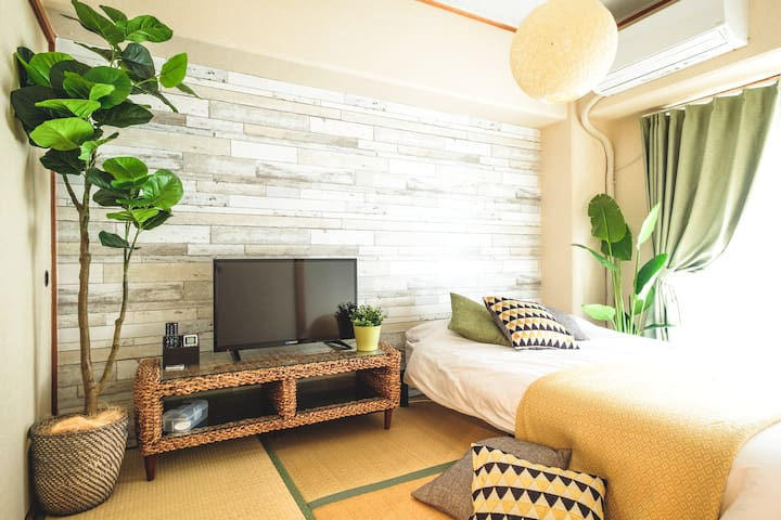 1 Semi-double bed&1 Japanese futon