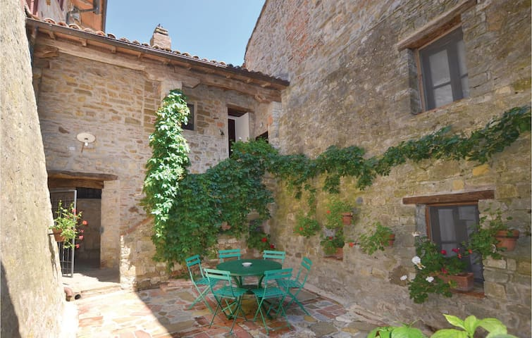 Holiday apartment with 4 bedrooms on 130 m² in Piegaro (PG)