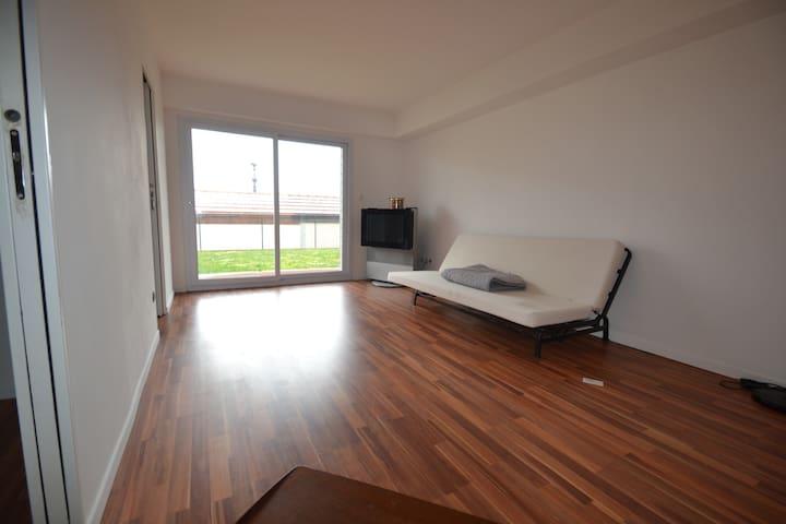 Room in village near Geneva II - Collonges - Rumah