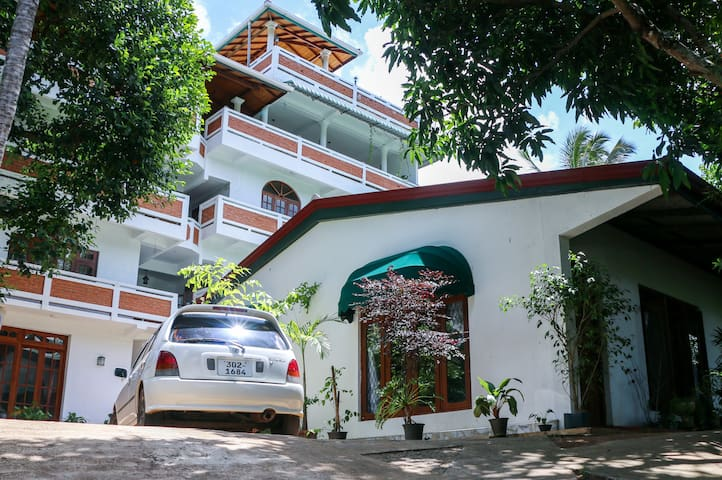 Aloy's Residence - Pallekele - Daire