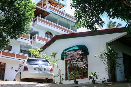 Aloy's Residence - Pallekele