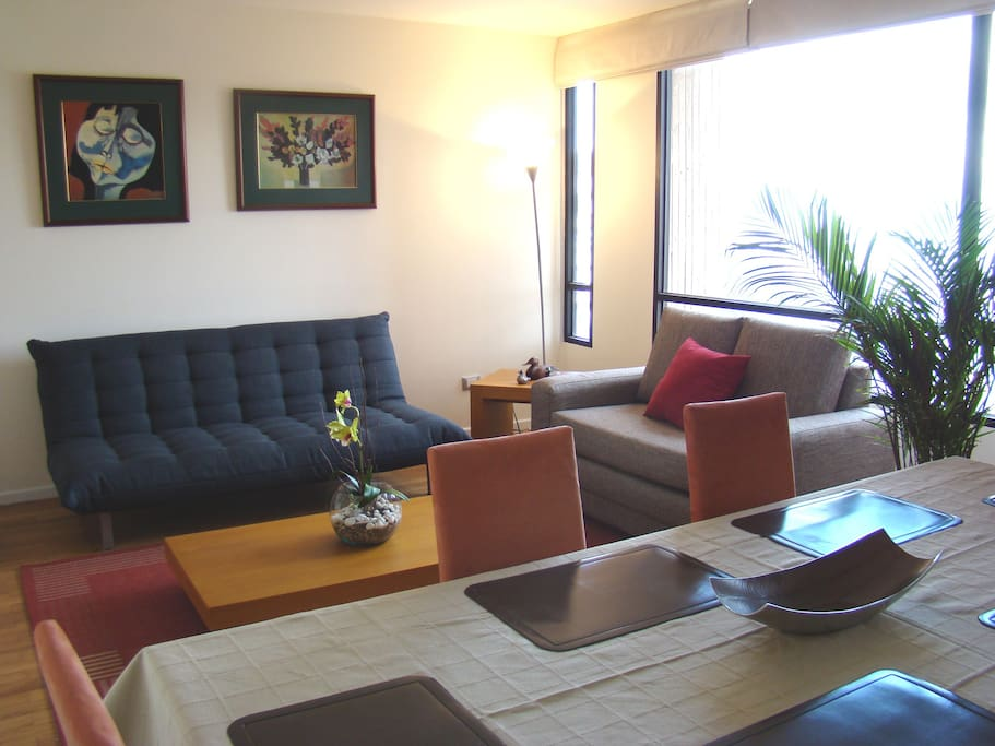 Dining and living room Sala y comedor
