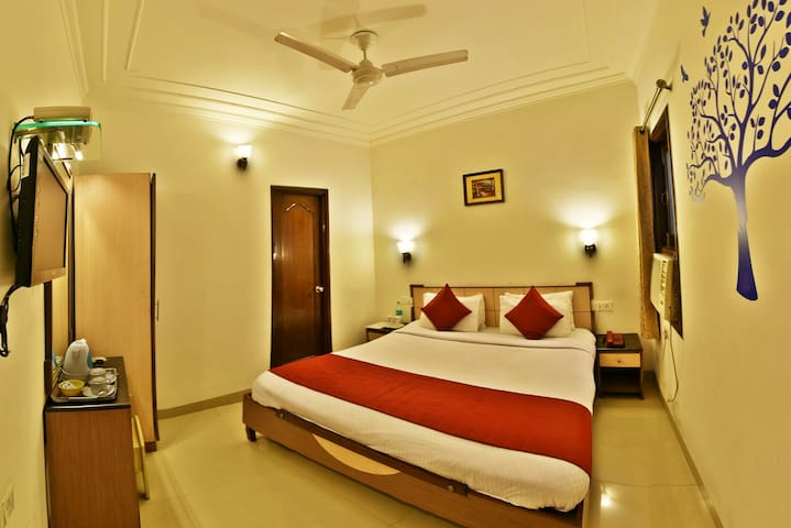#2 Comfy Room Near Golden Temple || 2mins walk