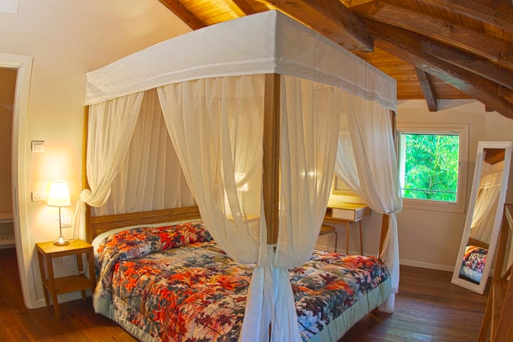 Romantic Room - Locanda del Toro R&B - Calderara di Reno - Bed & Breakfast