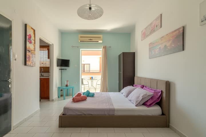 Spacious Urban Apartment in Heraklion *TALOS PLAZA