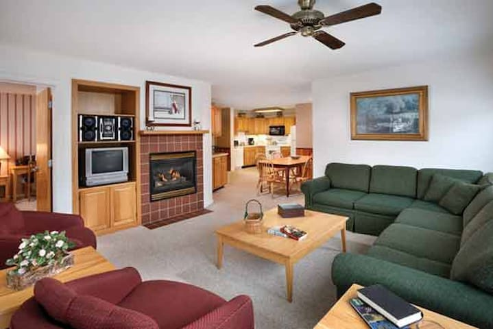 Spacious Vermont 3-BR Apartment, Sept 27-29