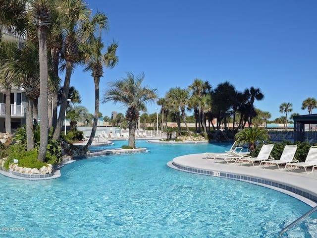 Beach Front Master Bedroom With Private Balcony Condominiums For Rent In Panama City Beach
