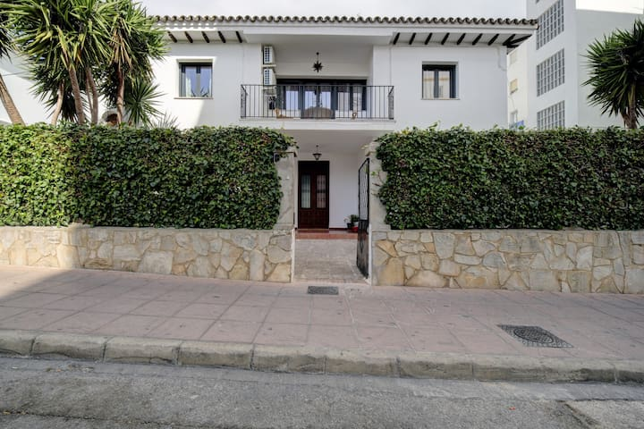 Villaserali centro+terraza+wifi parking opcional