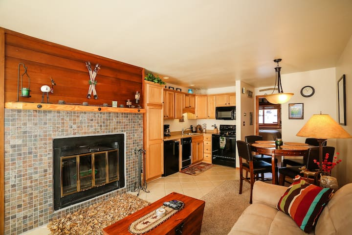 Cozy Mountain Retreat with amazing amenities!