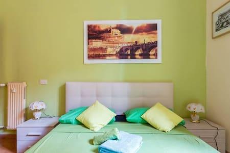 ROOM  TERMINI  -  TERMINI - - Roma - Appartamento