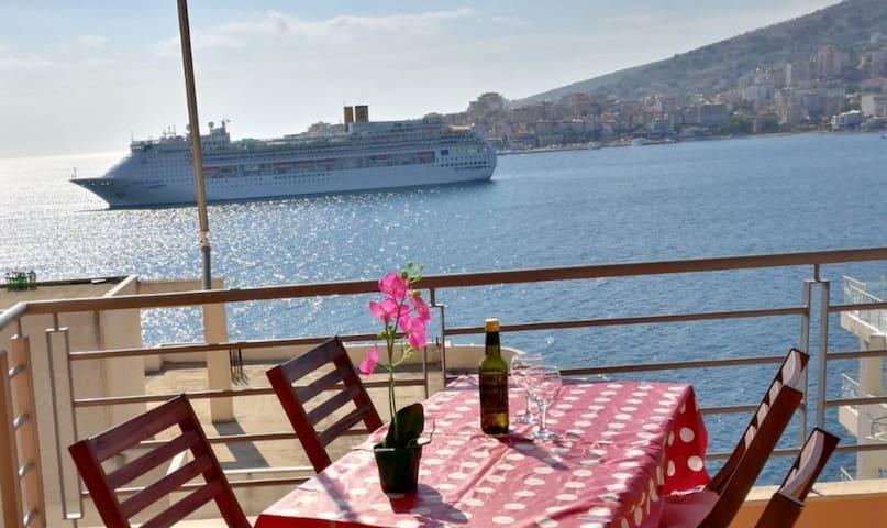 Incroyable vue sur l'île de Corfou