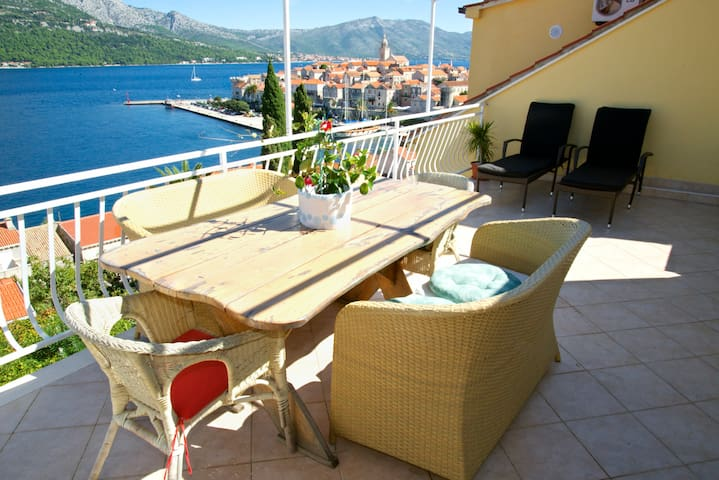 Sea view, Spacious, large terrace&parking **** - Korčula - Apartment
