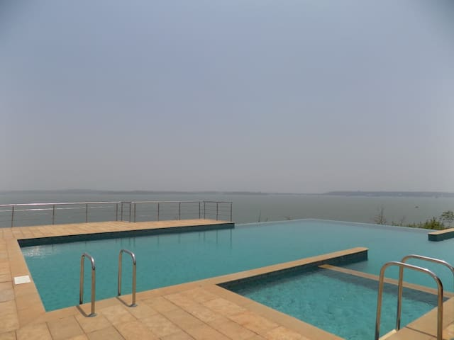 Apartment with Infinity pool close to Panjim:CM054 - Apartemen