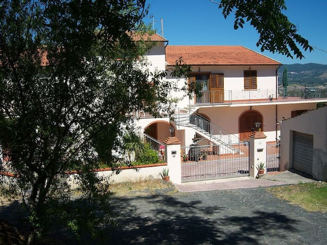 Villa Saracino Apartment 2 - Rosignano Marittimo
