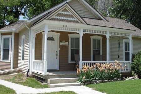 Plum Street Guesthouse - Casa
