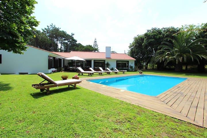 Charming beach house in Moledo - Moledo - House