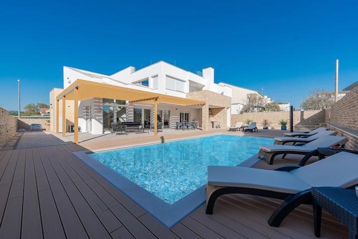 """Luxury """"Villa Ivana"""""""