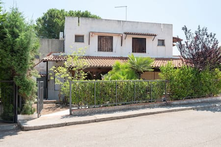 Traditional Holiday Home in Roseto Capo Spulico with Garden