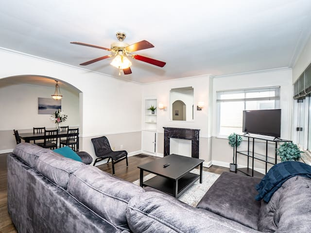 Beautiful Condo Minutes From Downtown Columbus