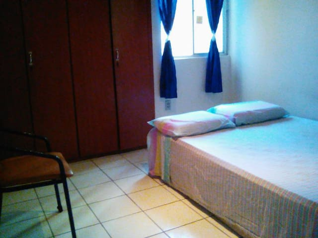 Large, airy, comfortable room. Close to everything - Recife - Daire