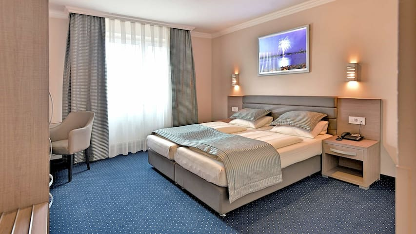 Kiez St.Pauli - Comfort Double Room & Breakfast
