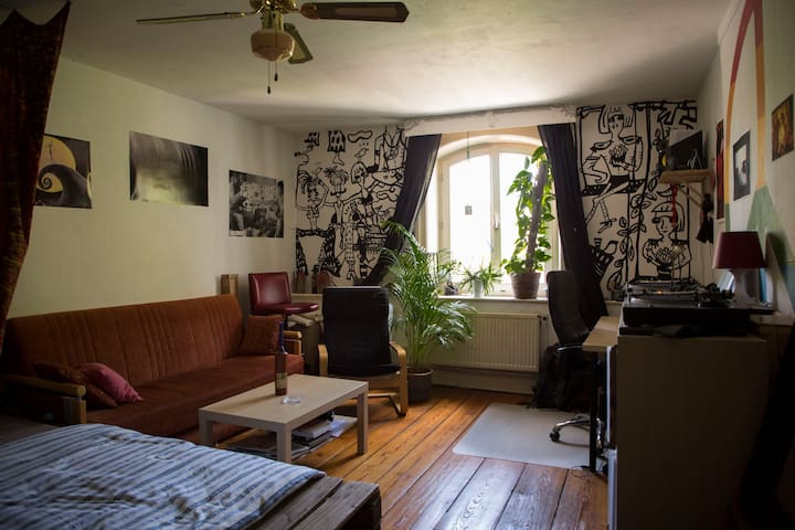 Cozy Room in central Shared Flat